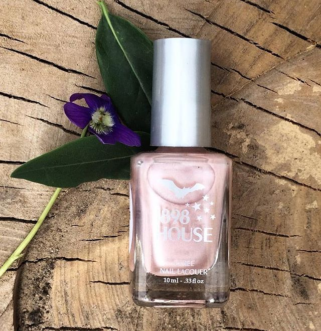 🌼🌸🌼Little Dreamer, soft & sweet🌼🌸🌼 #softcolors #shellpink #softpink #easytowear #neutralnails #naillacquer #nailpolish #healthynails #nontoxicnails #5free #genderfluid #kcmo #kansascity #1898house