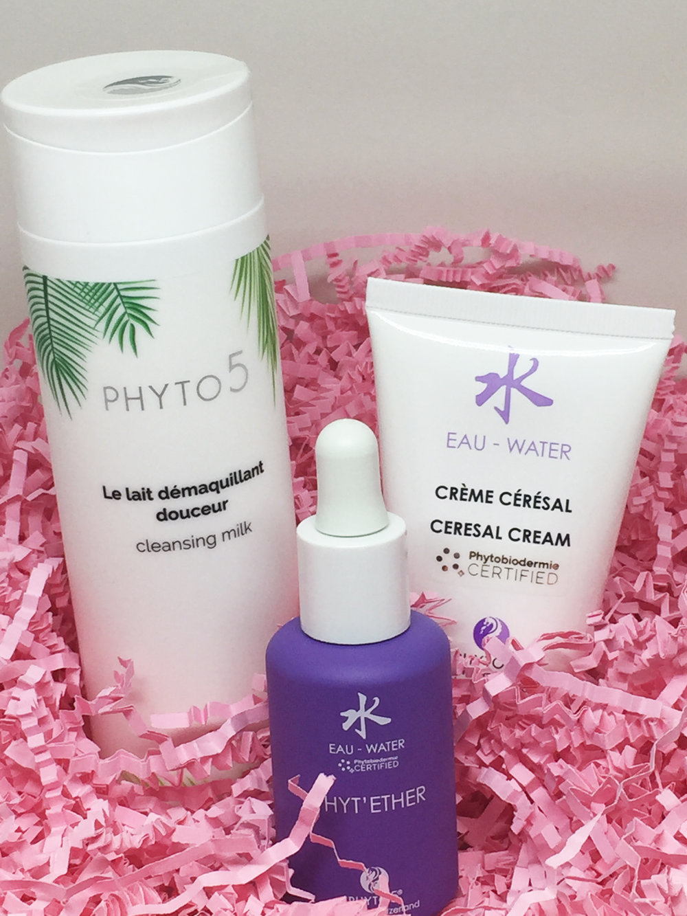 Picture shown above is just one of five kits for five sets of skin conditions to choose from when you   visit this page.