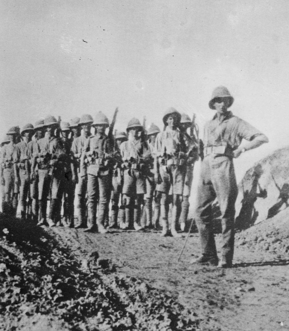 British soldiers in Iraq. This picture probably dates from the First World War rather than after it but, in my defence, the period being dealt with here isn't one of which free images abound. (  Library of Congress  )
