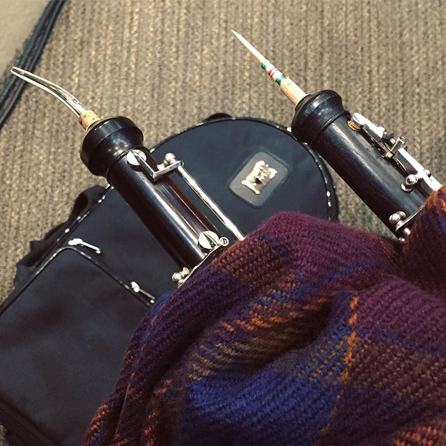 Anyone else dealing with super chilly rehearsals this week? My babies have needed extra love to stay warm! 🥶🧣🎶 #oboe #englishhorn #socalrain #sochilly #thankgoodnessforscarves #keepthosebabieswarm