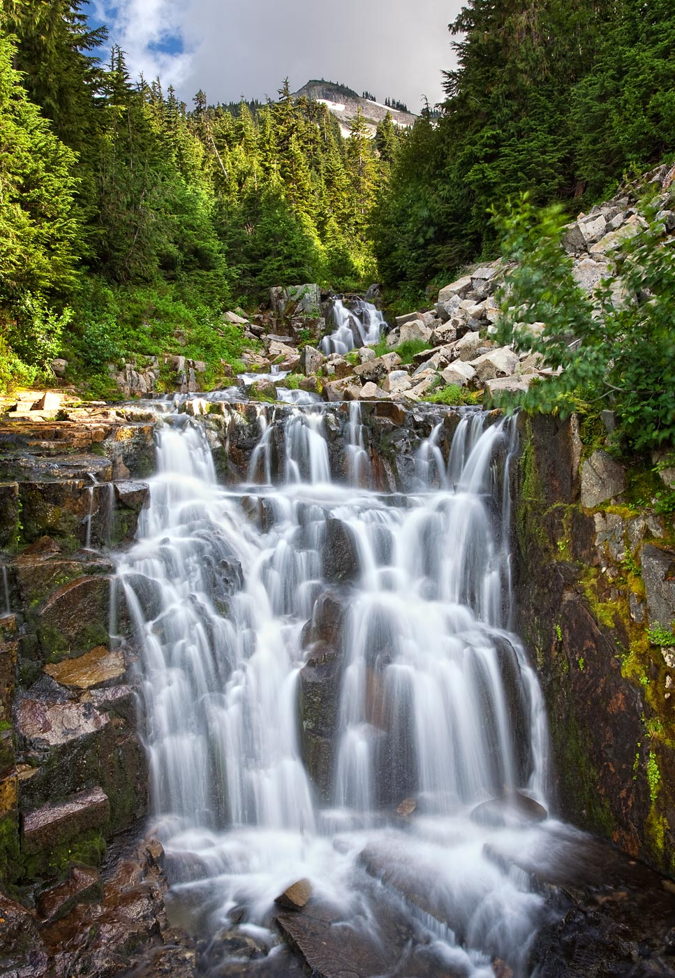 Mount-Rainier-National-Park-ABP-Sunbeam-Falls.jpg