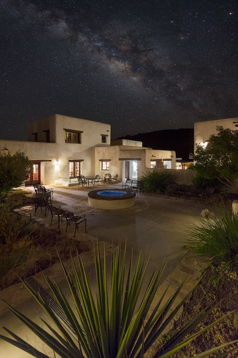 Indian-Lodge_ABP_Courtyard_Milky-Way.jpg