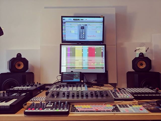 I've been working on this for a few months now and finally got it setup how I like. #bowerswilkins #matrix802 #sonarworks #3way #threeway #22hz #mixing #mastering #musicproduction #bass #highend #vintageaudio @wearenovation @presonus @softubestudios @bowerswilkins @nativeinstruments @sonarworks