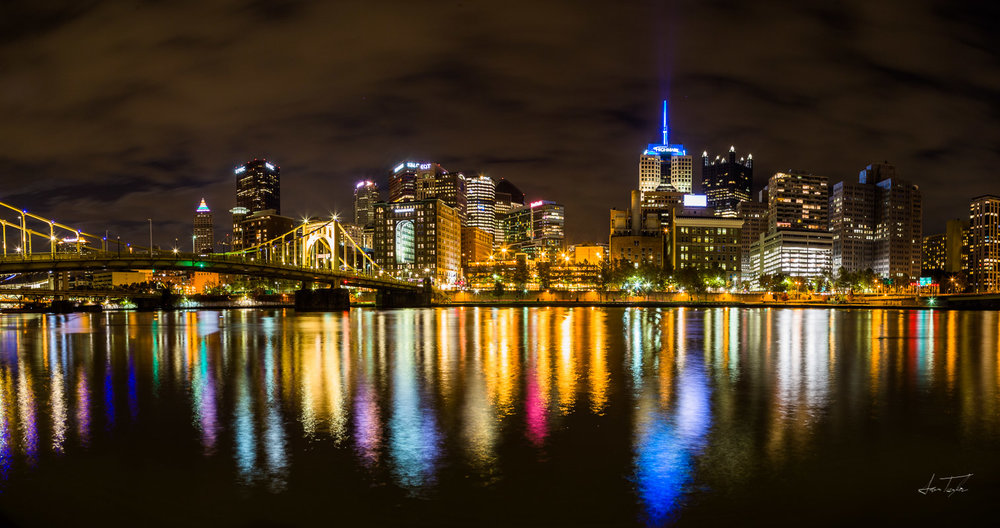 Downtown Pittsburgh Skyline - Pennsylvania