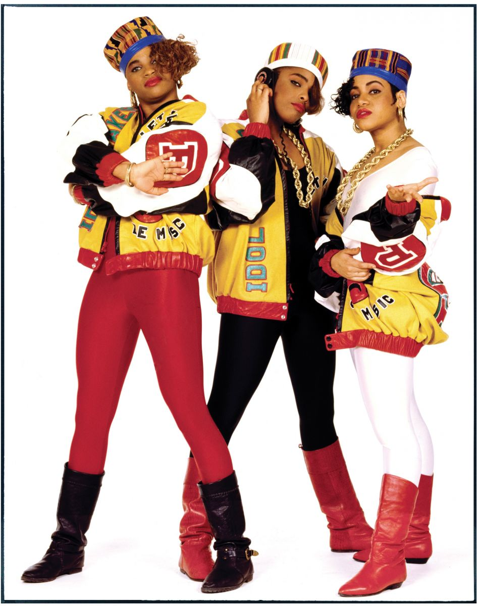 Salt-N-Pepa/DJ Spinderella (center)