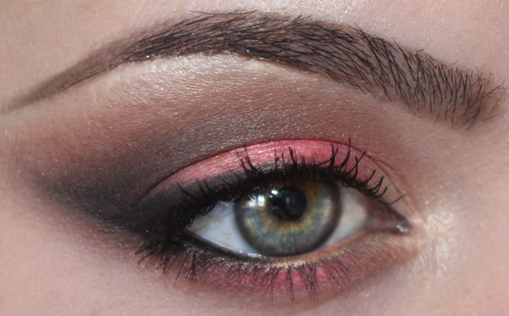Bec x Jaclyn Hill Champagne Collection Face Palette eye look