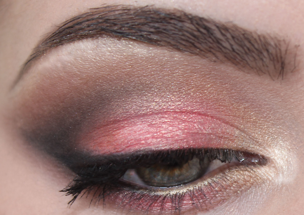 Becca x Jaclyn Hill Champagne Collection Face Palette eye look
