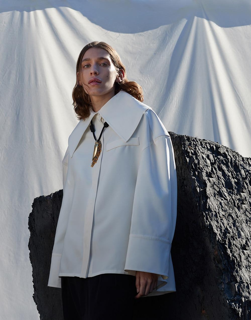 Monrowe-Magazine-November-2017-Zarina-Nares-Manolo-Campion-1.jpg