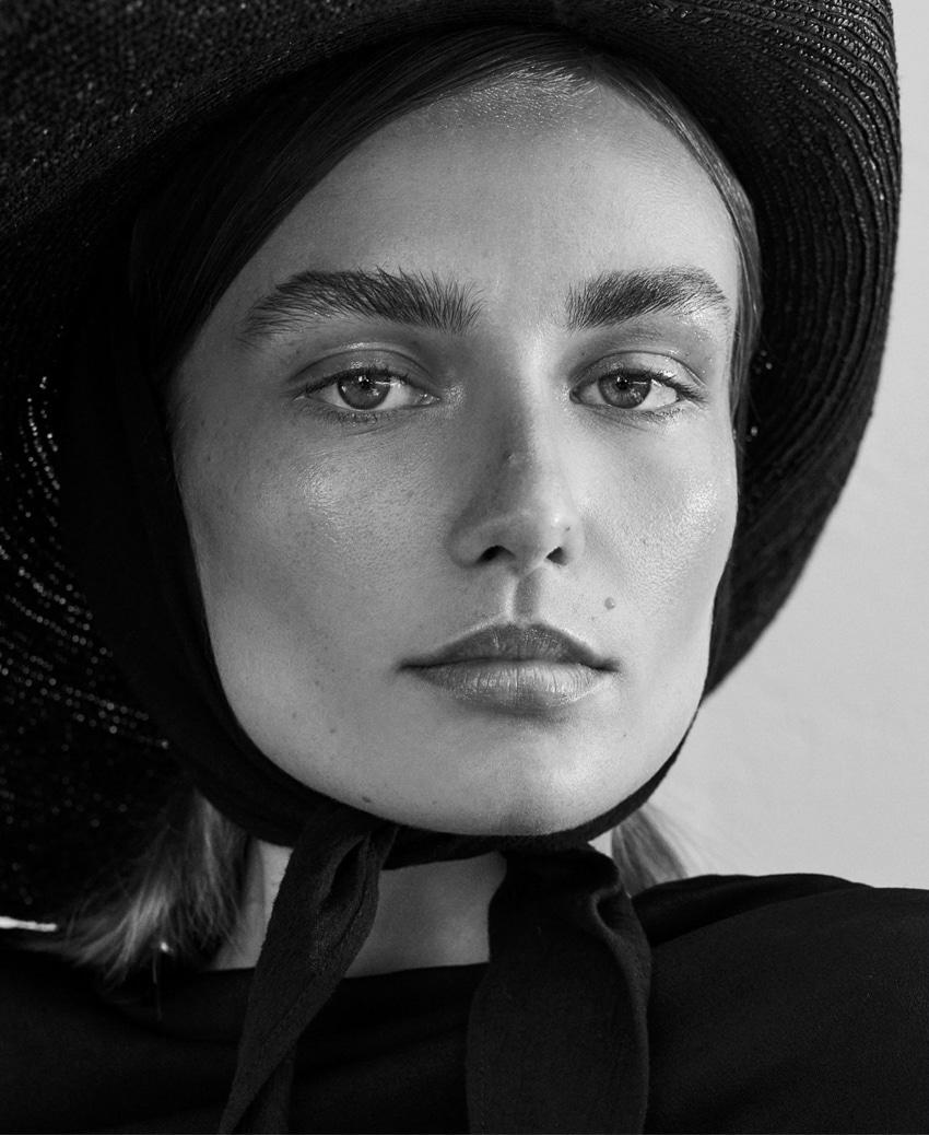 UNCONDITIONAL-Magazine-Issue-6-Andreea-Diaconu-Alexandra-Nataf-6.jpg