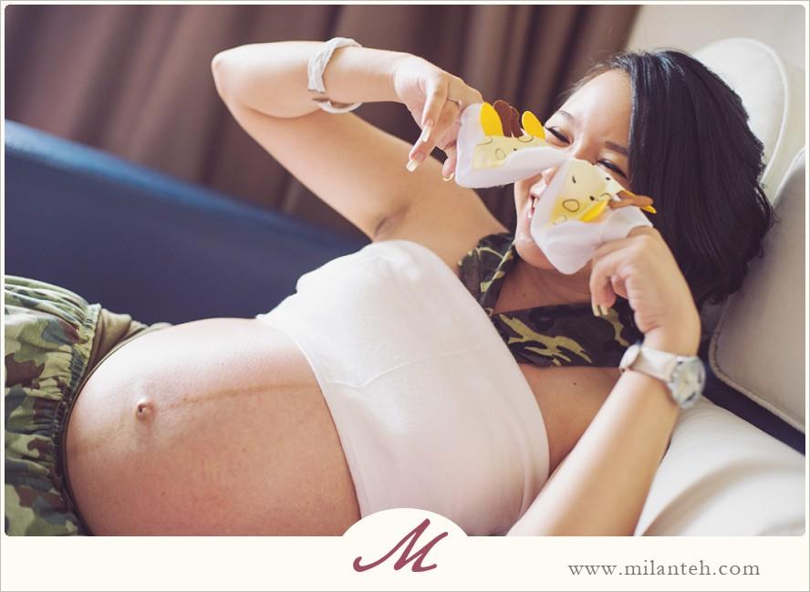 modern-maternity-portrait_0015.jpg