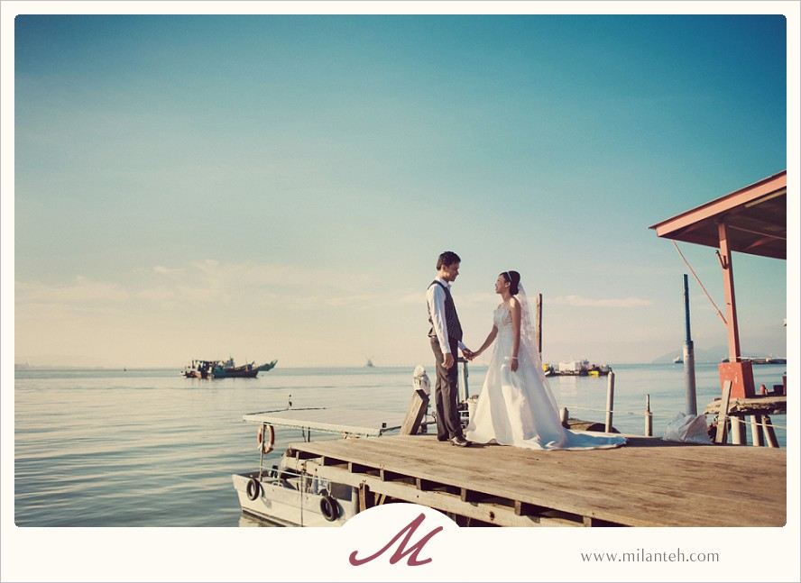 wedding-photo-at-chew-jetty