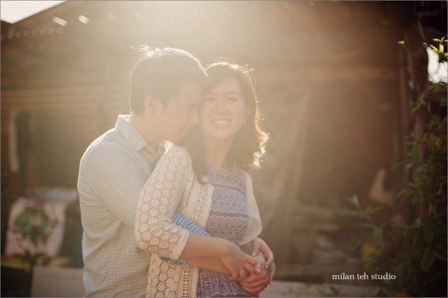 casual-couple-portrait-in-penang-heritage