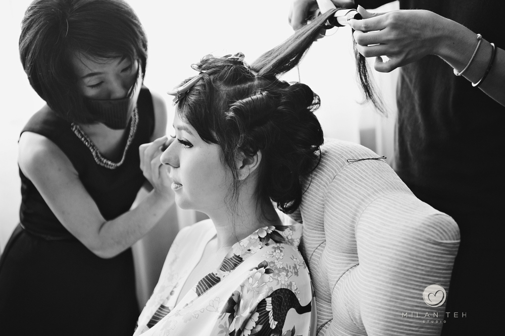 bride doing makeup in e&o hotel penang