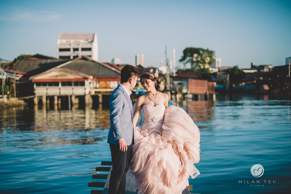 tan jetty penang blue sky prewedding