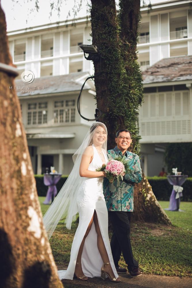 outdoor penang garden wedding in lone pine hotel