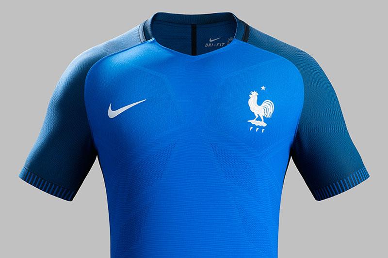 NIKE-soccer-2016-football-kits-revealed-england-brazil-france-USA-designboom-12.jpg