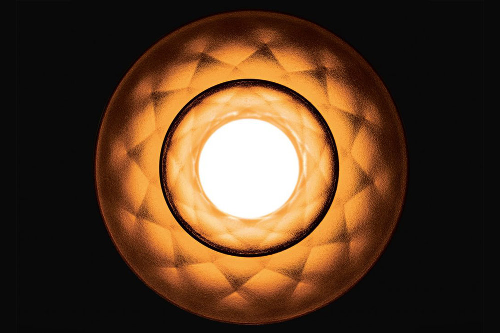 plumen-003-lightbulb-design_dezeen_2364_ss_4-1024x731.jpg