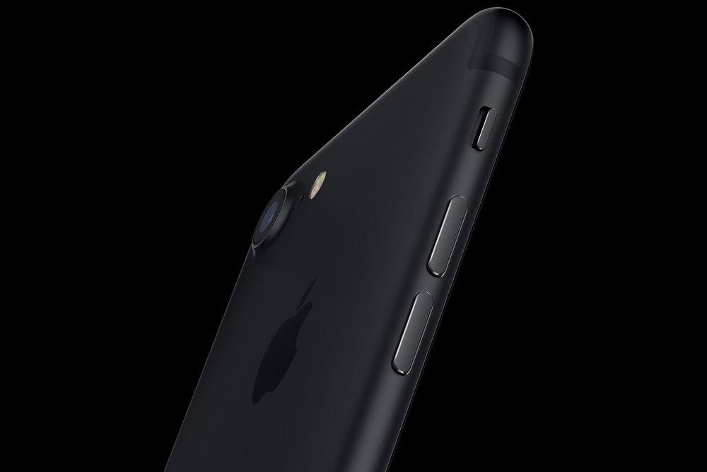 apple-iphone-7-black_dezeen.jpg