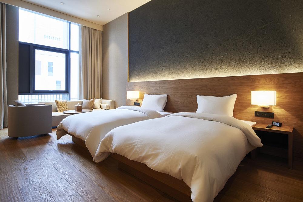 muji-hotel-shenzhen-interior_dezeen_2364_col_3.jpg