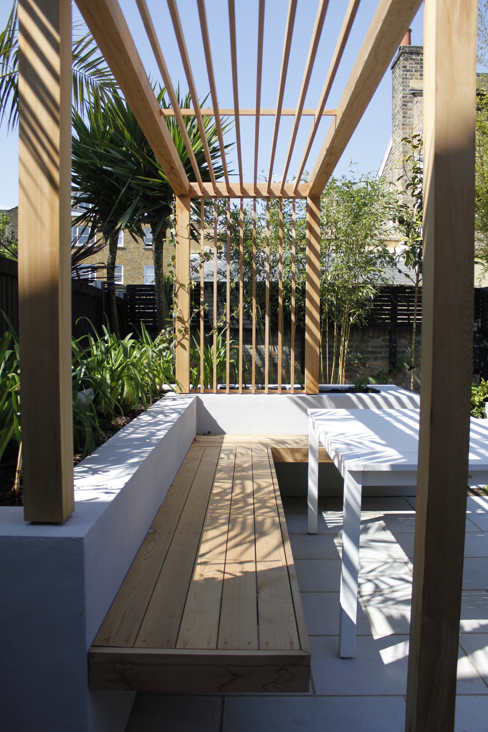 Chic Courtyard Design Contemporary Garden Design London UK