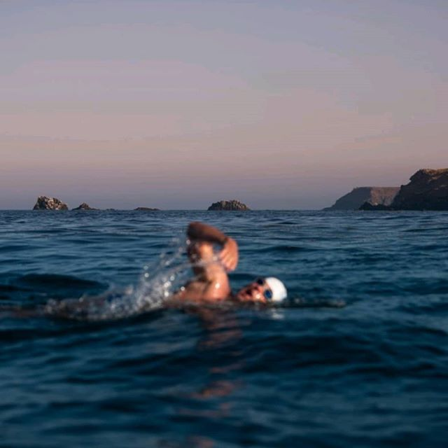 Endurance swimmer @lewis.pugh has passed The Lizard.  Strongest current he's every experienced, having to swim at right angles to avoid being swept out to sea.  #TheLongSwim #takeachallenge #swimming #openwater #openwaterswimming #swim #adventure #swimchallenge