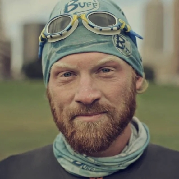 Dave Cornthwaite Swam 1000 miles of the Missouri River -
