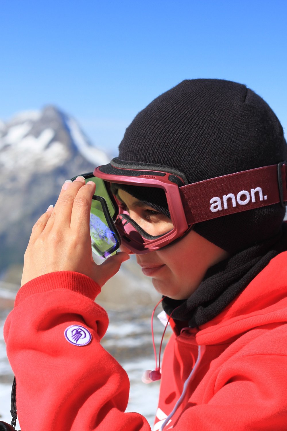 Anon Magnetic system for ease of lens change