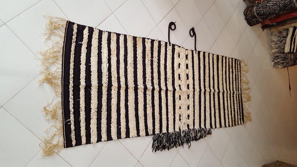 3-Vintage tribal berber Handira -Beni Ouarain - Moroccan-berber-carpets.jpg