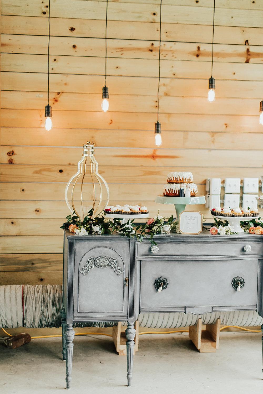 Legacy-Hil-Farm-Wedding-Reception-Dessert-MN.jpg
