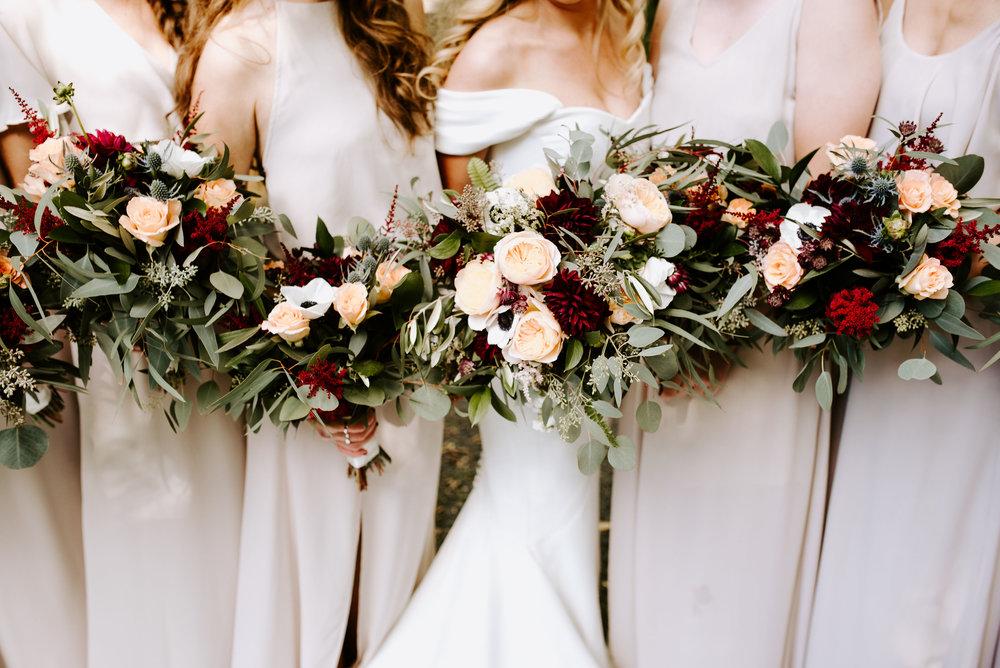 Winehaven-Winery-Wedding-Bridesmaids-Minneapolis-MN.jpg