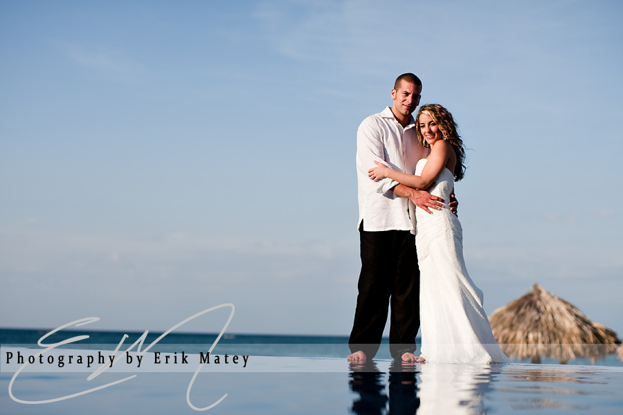 infinity pool wedding photos