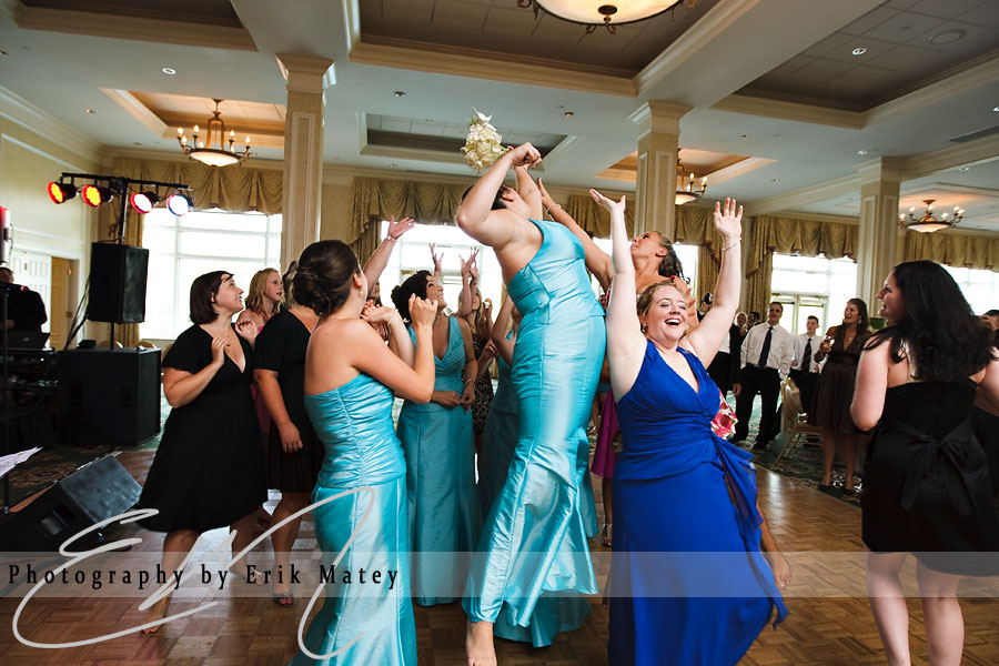 philadelphia wedding bouquet toss