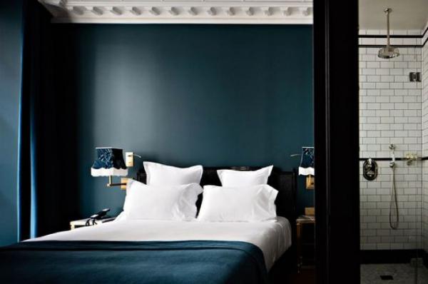 http://www.hotelprovidenceparis.com/en/bedrooms/classic-room/