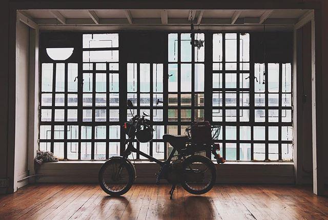 Ride or Dye. #LocationScout #DTLA #Gallery #Studio #Warehouse #VintageMotorcycle #RideOrDie #BikeLife #VSCO #IphoneX