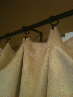 4 Curtain Hanging Tips by Tahni at Urban Cottage Living | how to hang curtains | curtain hanging tips | how to use curtain clips | curtain clips