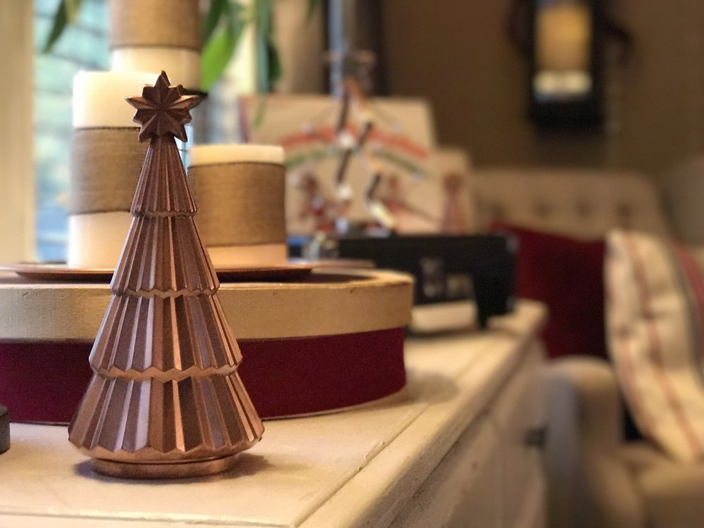 urban cottage living | christmas home tour 2016 | christmas | christmas home | small house christmas | small home christmas | small house living | copper spray paint | copper christmas