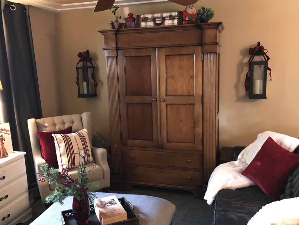 urban cottage living | christmas home tour 2016 | christmas | christmas home | small house christmas | small home christmas | small house living | tv armoire