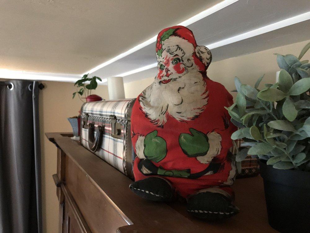 urban cottage living | christmas home tour 2016 | christmas | christmas home | small house christmas | small home christmas | small house living | vintage christmas