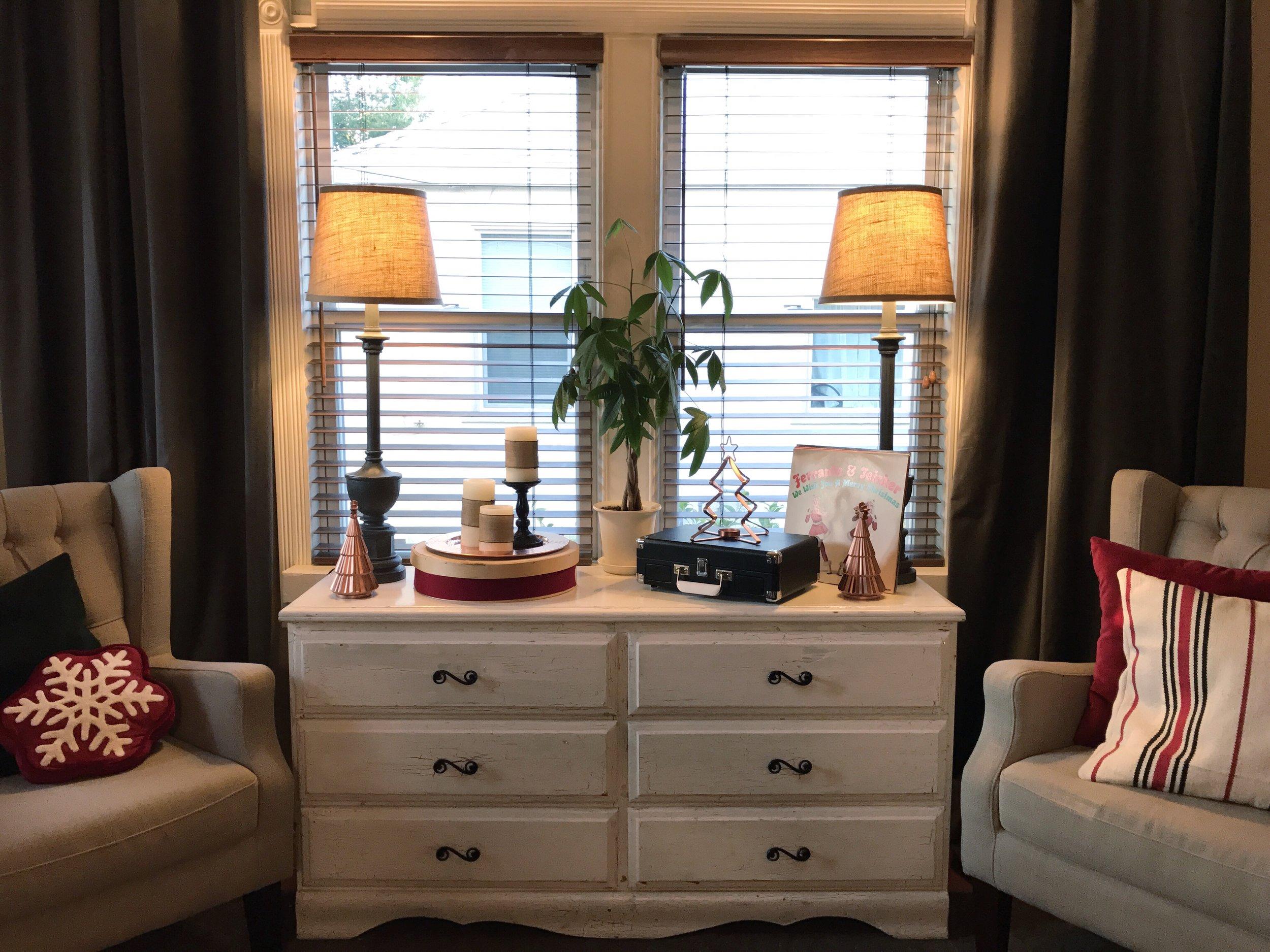 Urban Cottage Living | Christmas Home Tour 2016 | Christmas | Christmas  Home | Small House