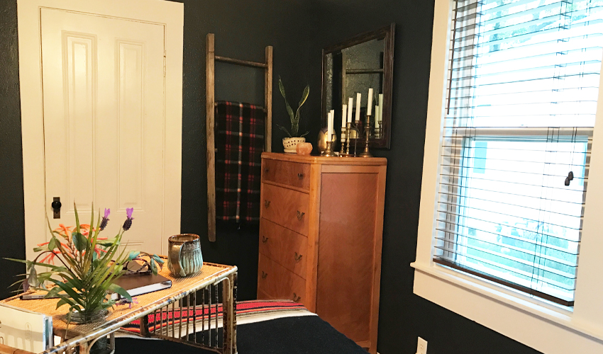 Small bedroom big style. Before and after pictures of this boho bedroom makeover.