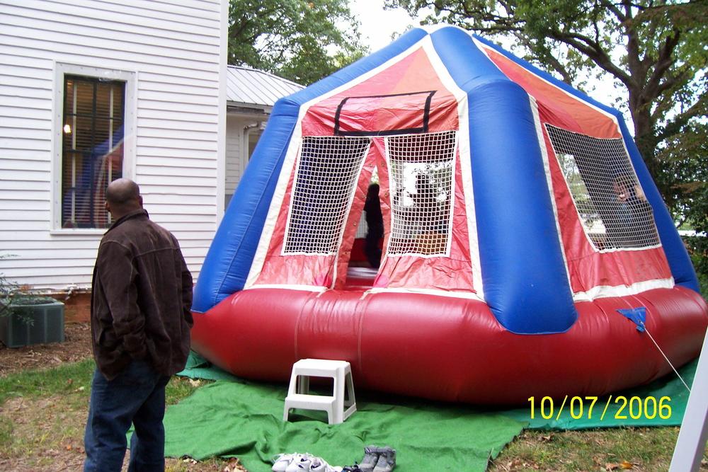 yard_sale_4_2006.jpg