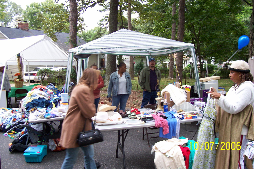 yard_sale_7_2006.jpg