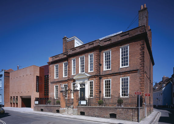 Pallant House Art Gallery