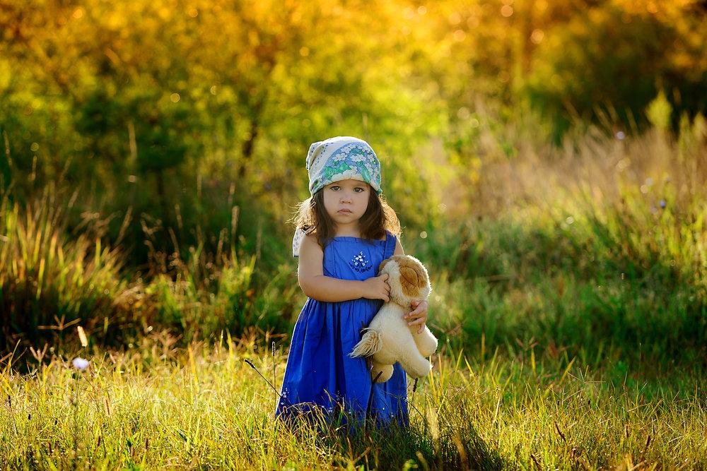 new-jersey-photographer-sunrise-toddler-blue-dress.jpg