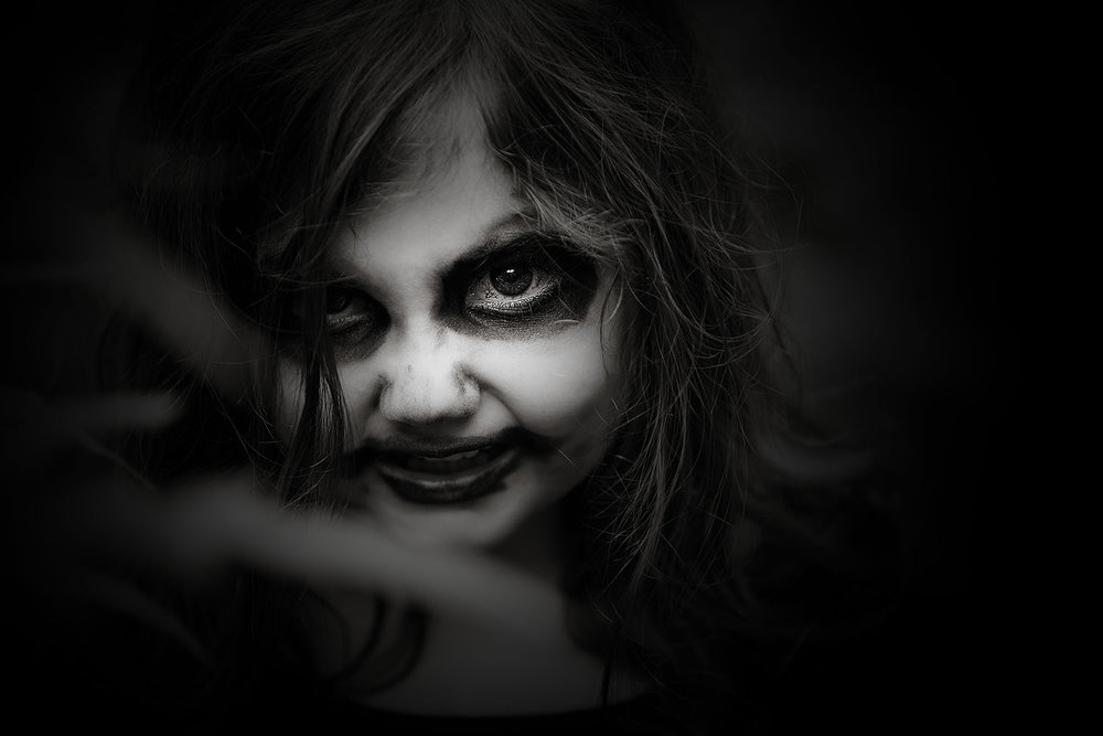 horror-photography-little-girl-zombie (2).jpg
