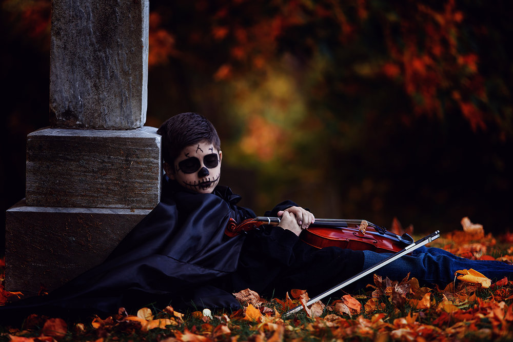 horror-photography-skeleton-graveyard-violin (4).jpg