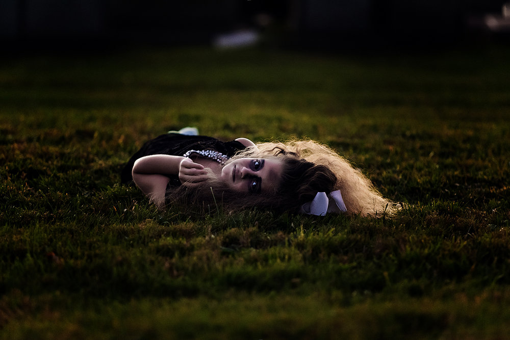 horror-photography-zombie-girl-cemetery (3).jpg
