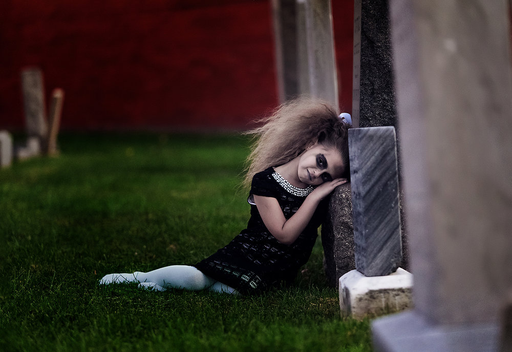 horror-photography-zombie-girl-cemetery (2).jpg
