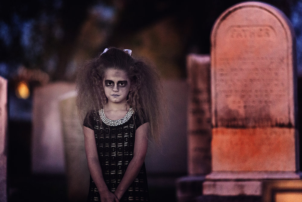 horror-photography-zombie-girl-cemetery (4).jpg