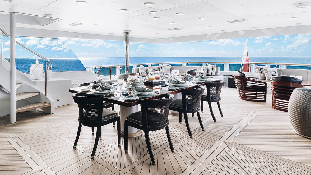 oceanclub-yacht-iyc-charter-skyloung-aft-dining-019 (1).jpg
